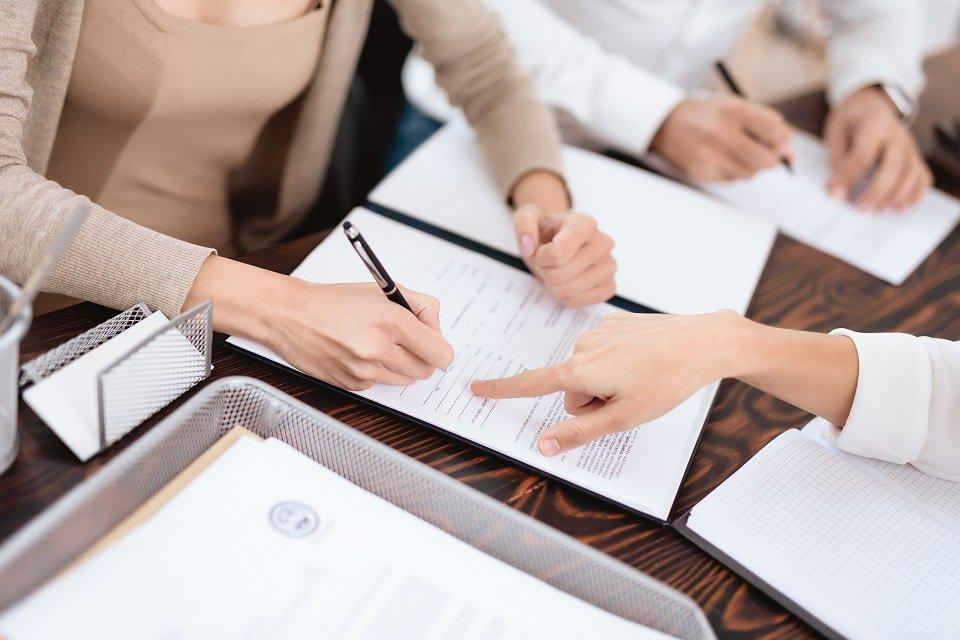 รับรองนักแปลขึ้นทะเบียนกระทรวงยุติธรรม รับรองเอกสาร และความสำคัญของการรับรองกงสุลและขอบเขตการรับรอง