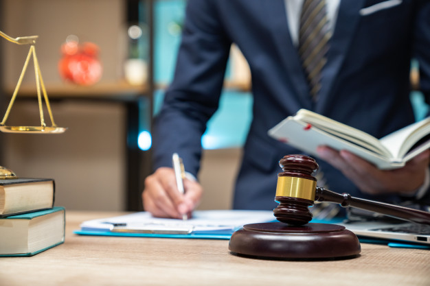 ทำไมต้องจ้างแปลงานกฎหมาย มีความสำคัญอย่างไร