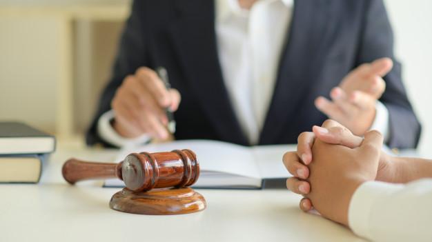 ทำไมต้องจ้างแปลงานกฎหมาย และแปลภาษาด้วยตัวเองยากไหม
