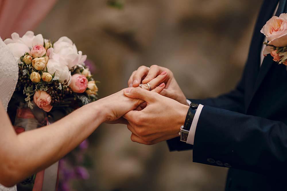 จดทะเบียนสมรสกับชาวต่างชาติยากไหม รับรองเอกสาร/รับรองกงสุล